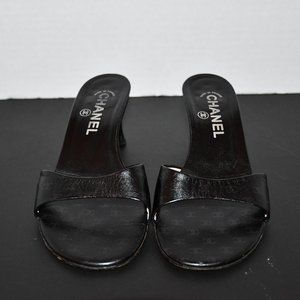 Chanel   Black Leather Mule w Kitten Heel 6.5